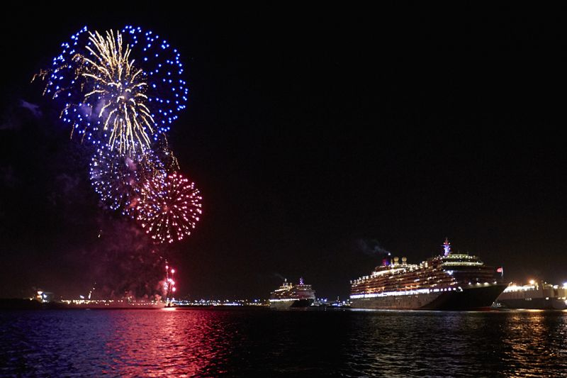 solent photographer, ship photography, firework photograph